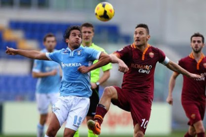 Dua Gol Stootman dan Nainggolan Kalahkan Lazio 2-0