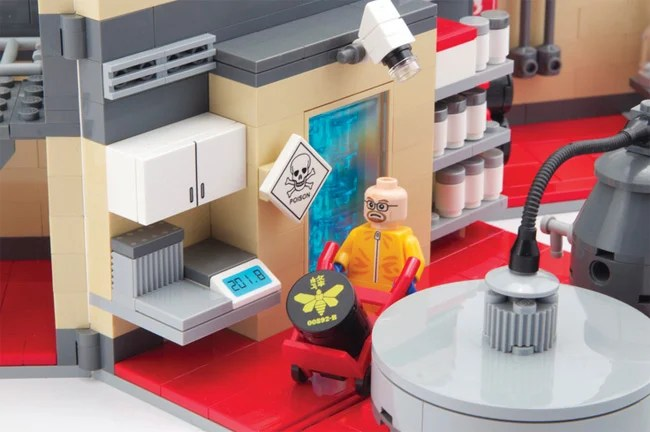 Google helps out utterly underexposed Lego brand with Chrome toy     A detail of the Breaking Bad lab