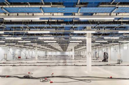 Cloud Computing: Modern Rackspace datacenter in Crawley, UK