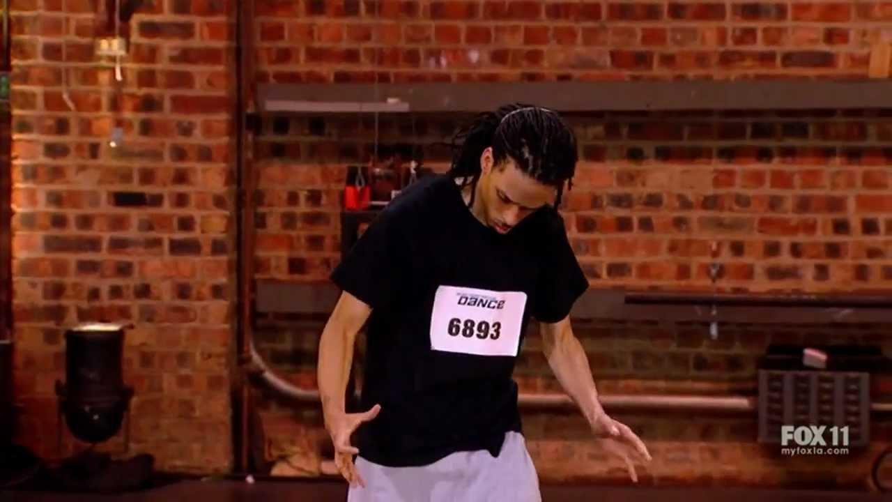 Rapaz emociona apresentadores com sua dança exorcista