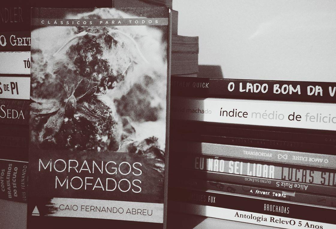Regra Resenha | Morangos Mofados, de Caio Fernando Abreu