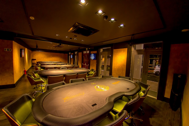 Casa de poker curitibana tem Audi A3 como prêmio de ranking anual