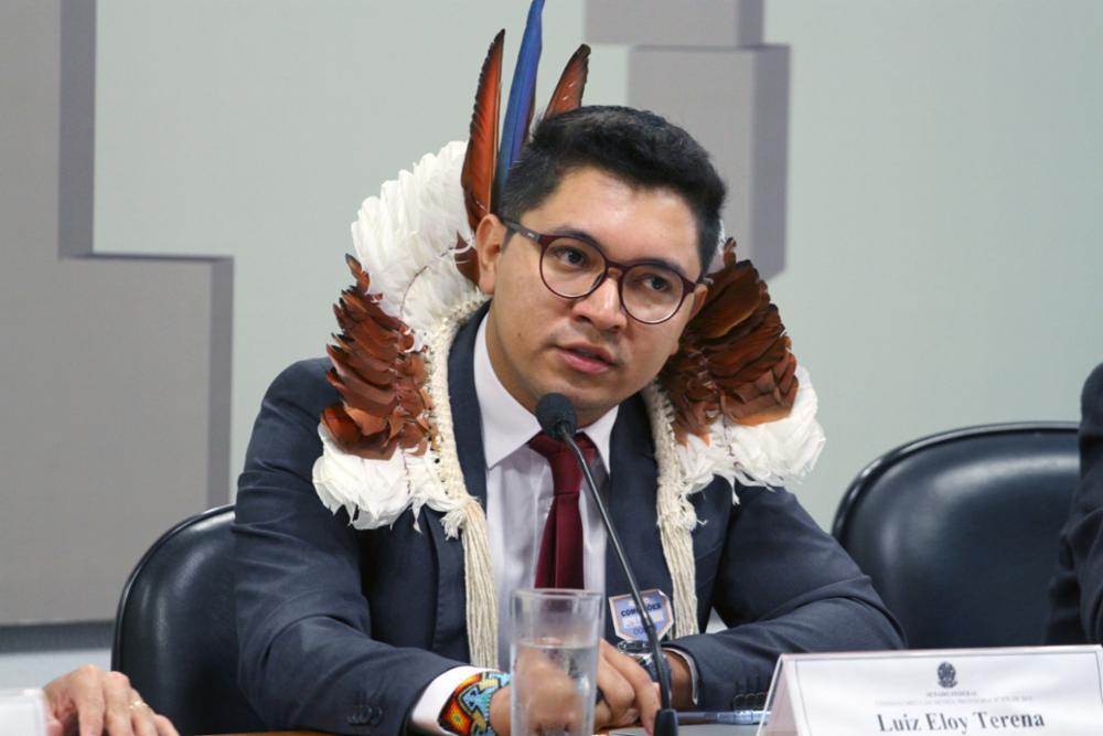 """""""ESTAMOS DIANTE DE UMA POLÍTICA DE EXTERMÍNIO INDÍGENA NO BRASIL"""", DENUNCIA ASSESSOR JURÍDICO DA APIB NA ONU"""