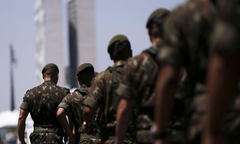 PROJETO PERMITE USO DE LEITOS MILITARES NO TRATAMENTO DE PACIENTES CIVIS COM COVID