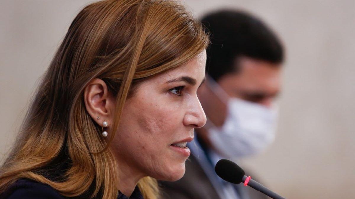 CPI OUVE SECRETÁRIA DO MINISTÉRIO DA SAÚDE SOBRE DEFESA DA CLOROQUINA NESTA QUINTA