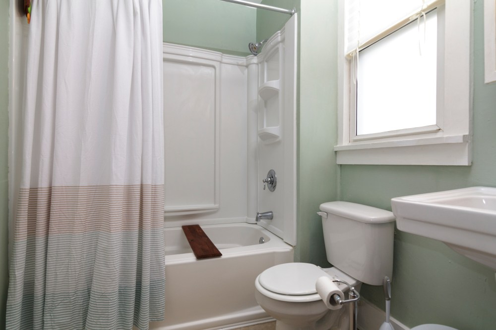 How to stage a bathroom to make it appeal to buyers.