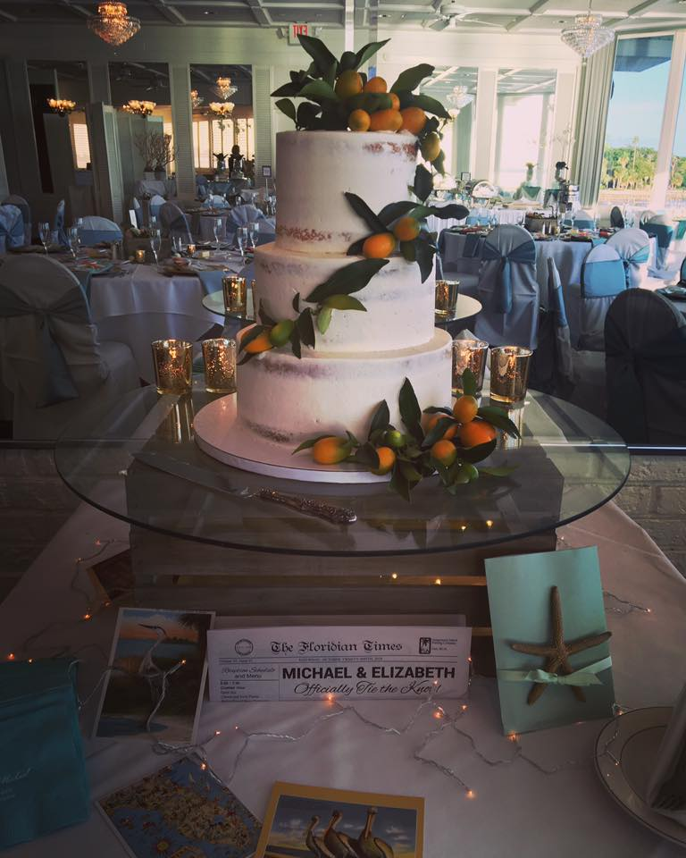 A vintage florida theme wedding, naked wedding cake.