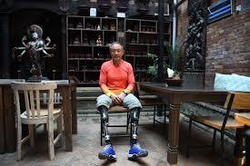 Xia Boyu: ο 69χρονος που κατέκτησε το Έβερεστ με διπλό ακρωτηριασμό των κάτω άκρων