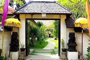 entrance to seasons bali