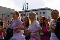Bild-24-Zumba-Flashmob-Brandenburger-Tor