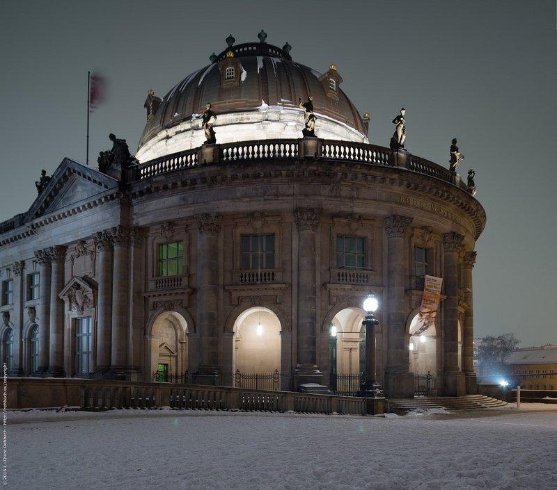 Bode Museum bei Nacht