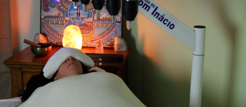Reiki Energy Healing & Crystal Bed Color Therapy