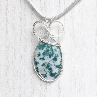 reiki charged tree agate pendant