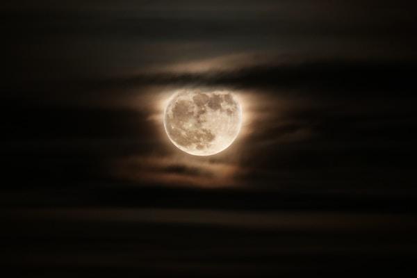 Mensaje del Arcángel Miguel y Jesús canalizado en Luna llena