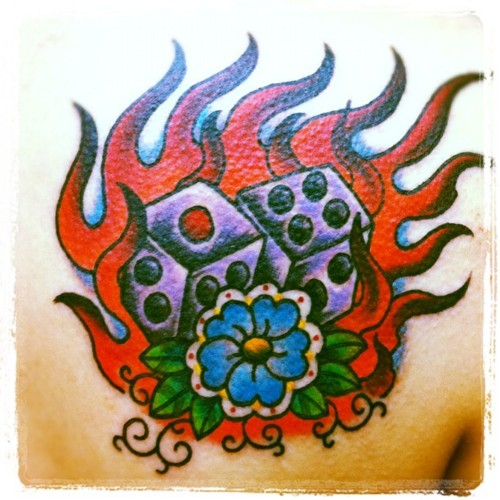 サイコロと炎のタトゥー,dice,flame,tattoo