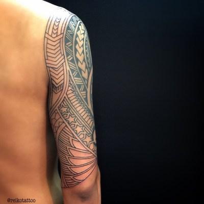 だんだん繋いで大きくしてます〜〜!(ฅ'ω'ฅ)♪ in progress #tribal #tattoo #トライバル #タトゥー #reikotattoo #studiokeen #hocuspocustattoo #名古屋 #大須 #矢場町 #静岡