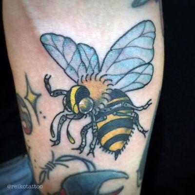 #ミツバチ #タトゥー #トラディショナルタトゥー #bee #tattoo #reikotattoo #studiokeen #hocuspocustattoo #japan #nagoyatattoo #tokyotattoo #shizuokatattoo #東京 #名古屋 #静岡 #大須 #矢場町