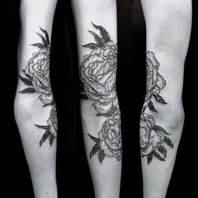 #芍薬 #lactiflora ...#tattoo #reikotattoo #studiokeen #japan #nagoyatattoo #tokyotattoo #irezumi #タトゥー #刺青 #名古屋 #大須 #矢場町 #東京