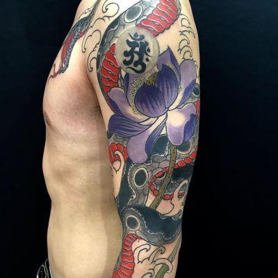 #snake #lotus #蛇 #蓮 ...#tattoo #reikotattoo #studiokeen #japan #nagoyatattoo #tokyotattoo #irezumi #タトゥー #刺青 #名古屋 #大須 #矢場町 #東京