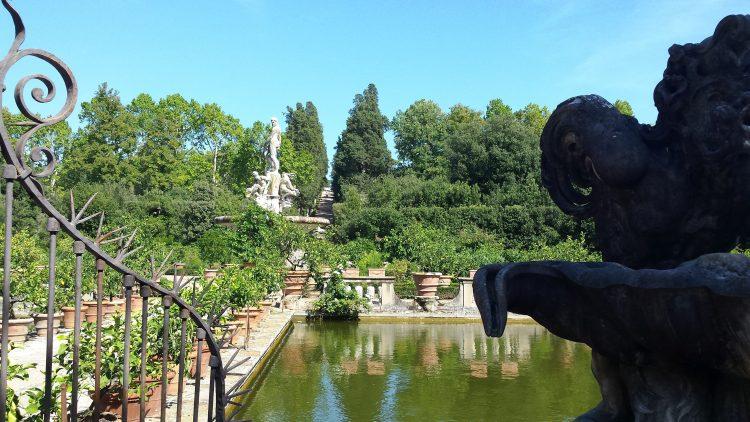 Piazzale dell´isolotto y al fondo el Viottolone