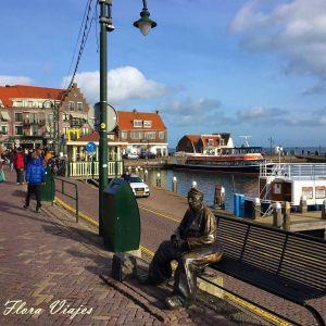 Estatua de Volendam