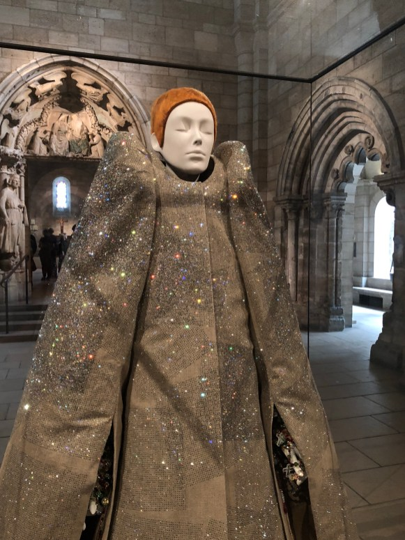 Victor& Rolf, Ensemble A/W 1999-2000, The Met Cloisters
