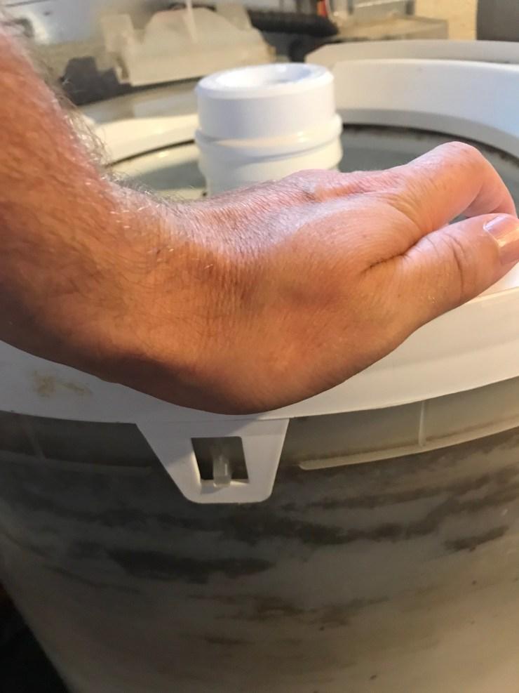 Unhook tub ring