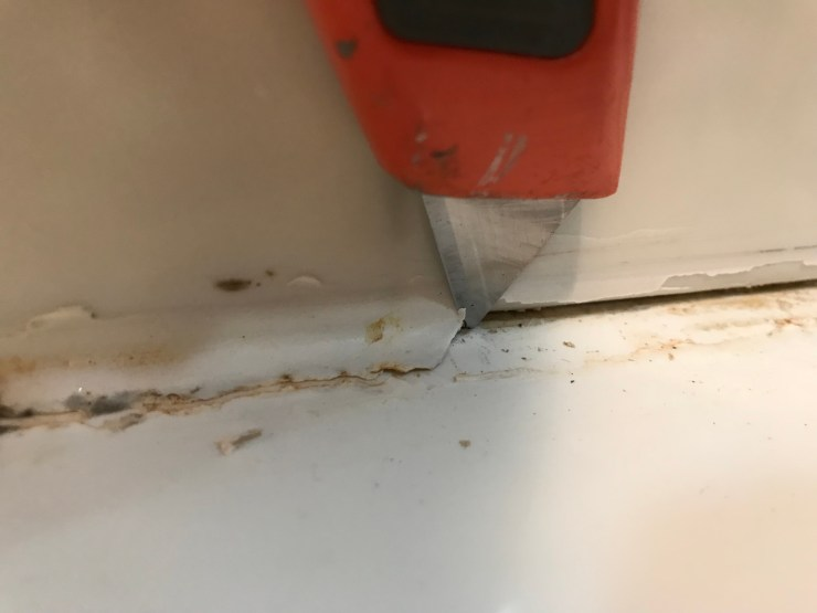 Utility Knife Cutting Caulk