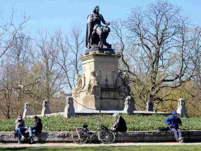 Vondelpark - Standbeeld Joost van den Vondel