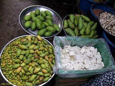 Mawlamyaing market
