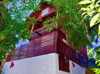 """Phyo Pa und das """"Mountain House by Bougainvillea"""""""