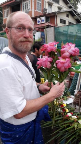 Blumenspende für die Wochentagsecken