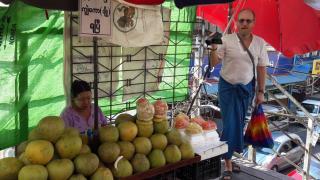 Am letzten Tag durch die Strassen Yangons