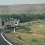 Ein komplettes Haus wird transportiert