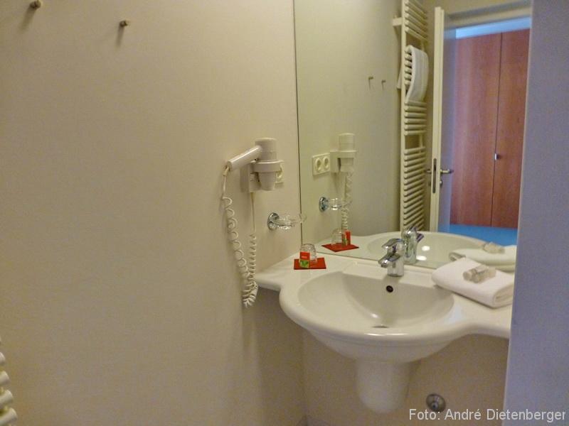 Einzelzimmer Waschbecken