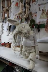 Noch in der Mache: Auch Tiere gibt es natürlich auf der Puppenbühne.