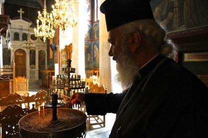 PriesterVassileiosinAgiosNikolaosKirche