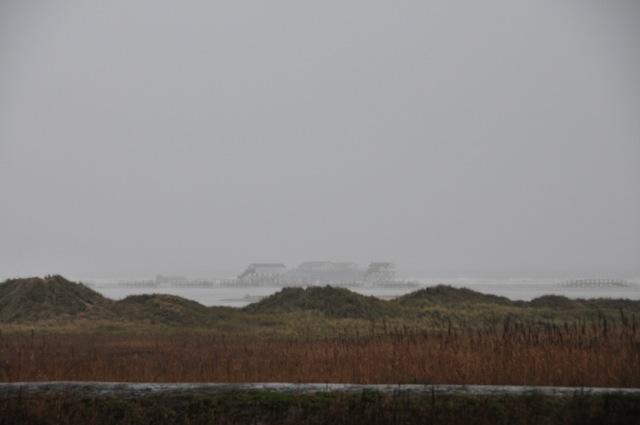 Deich in Sankt Peter Ording bei Nebel