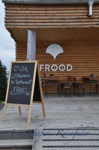 Restaurant Frööd: Ein energieneutrales Gebäude mit Solarpaneln und Wärmerückgewinnung - und sehr leckerem Essen.