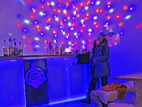 Abends in die Eis-Disco