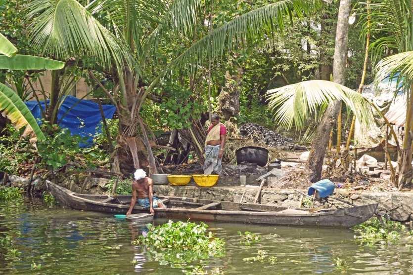 In den Backwaters spielt sich das Leben am Fluss ab - Leben mit dem Strom