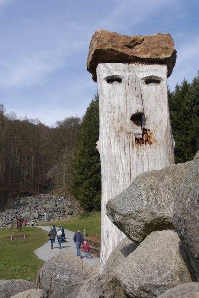 Riese Maximux, ein Baum als Kunstwerk