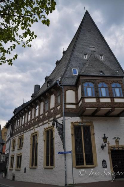 Das Brusttuch in Goslar hat seinen Namen der dreieckigen Form zu verdanken