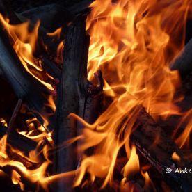 Lagerfeuer, dann ab ins Zelt