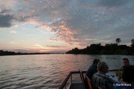 Sonnenuntergang über dem Sambesifluss2. Kura