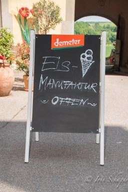 Schild Eismanufaktur auf Schloss Kirchberg an der Jagst