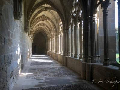 Kreuzgang im Kloster von Leyre