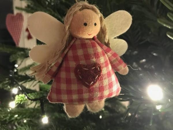 Weihnachrsengel am Baum