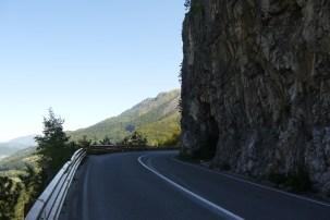Mit Leitplanke: Straße durch Tara-Schlucht