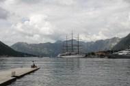Segelschiff in der Bucht